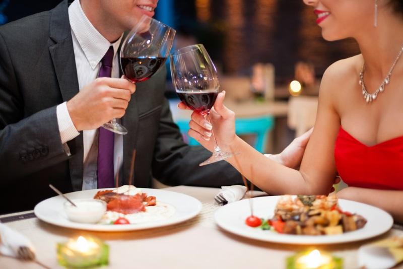 Почему стоит проводить первое свидание с мужчиной в ресторане Советы