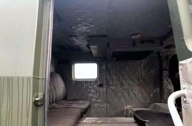 В Новгороде продают сделанный в единственном экземпляре вездеход «Вепрь» авто
